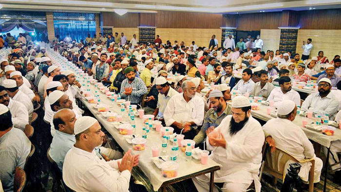 Significance of Roza iftar