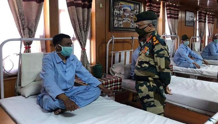 Army chief visits forward areas in Ladakh; takes stock of ground situation