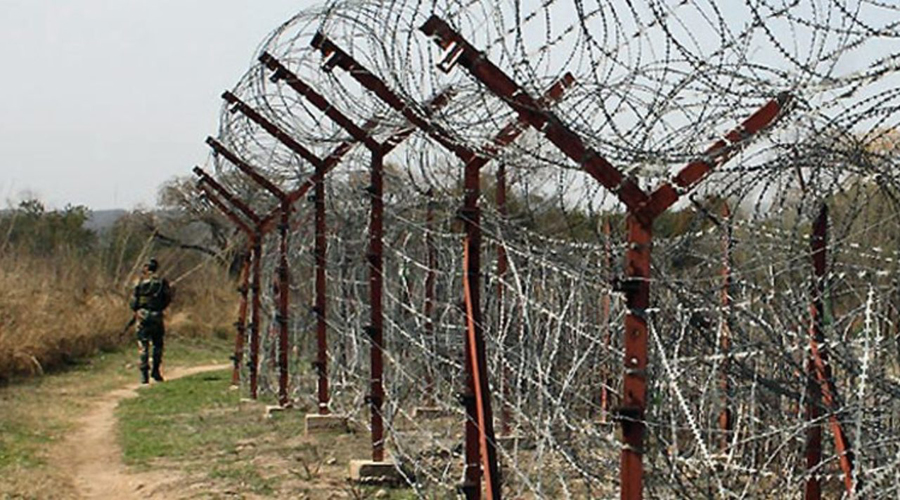 Pakistan violates ceasefire in North Kashmir's Kupwara, Baramulla; 6 civilians injured
