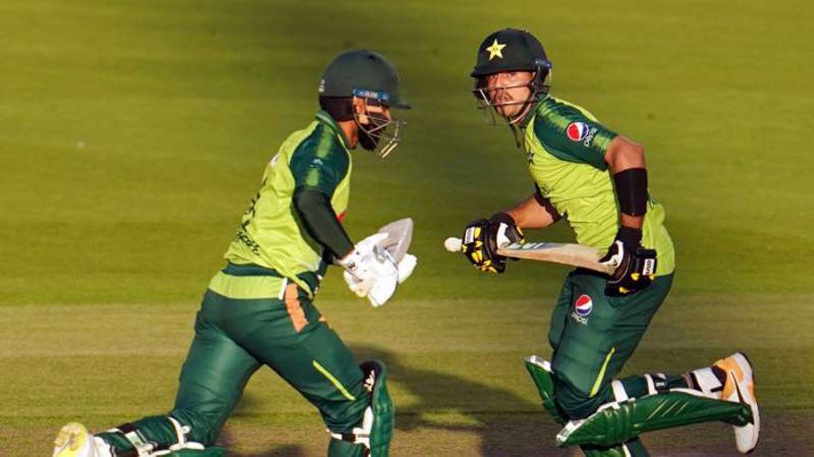 Mohammad Hafeez, Haider Ali shine as Pakistan seal narrow win to level series