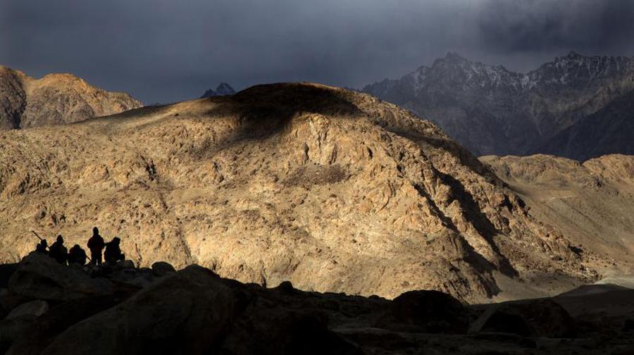 India raises border deployment to ward off Pakistan