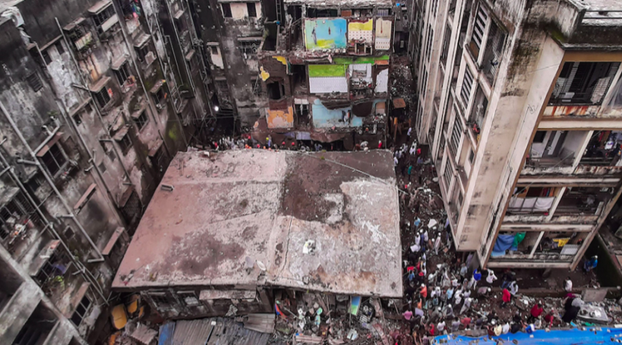 10 killed, 11 rescued in building collapse in Maharashtra's Bhiwandi town
