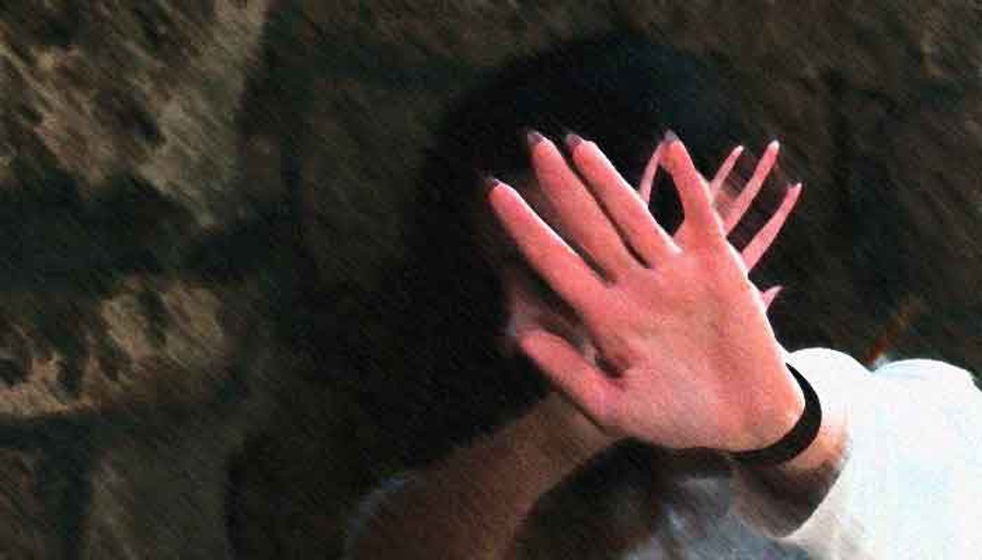 Woman gangraped for 21 days after being sold by husband for Rs 5 000 in Pakistan