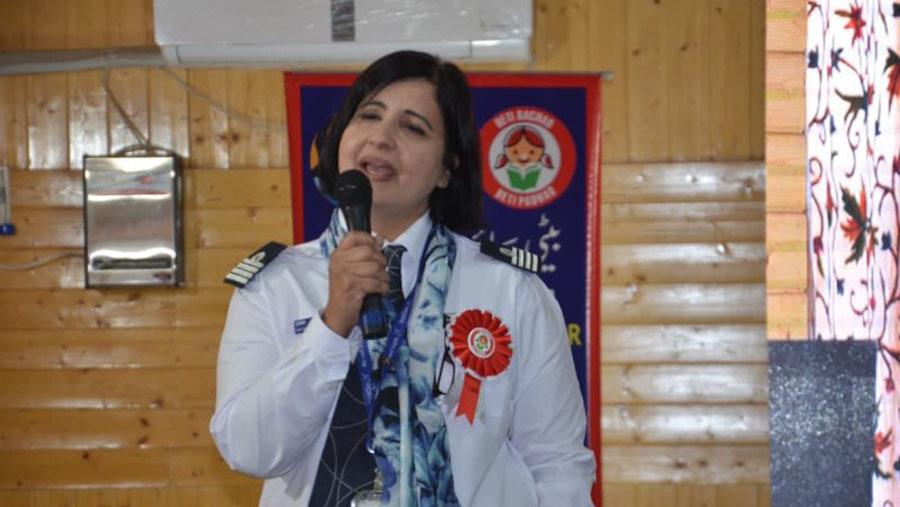 Kashmiri female pilot wants youth to aim for sky