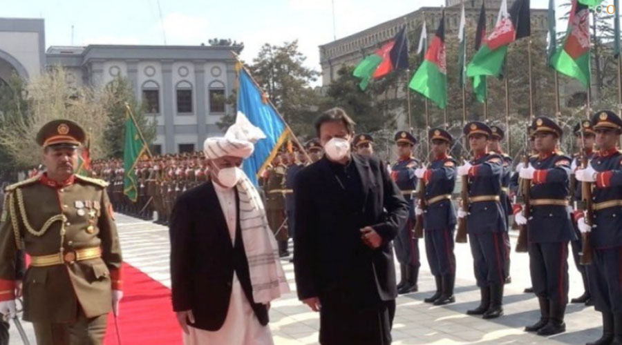 PM Imran arrives in Kabul on maiden visit, presented guard of honour at presidential palace