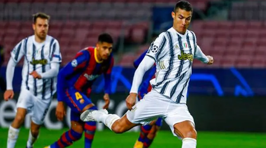 Cristiano Ronaldo scors two goals from penalty kicks in a convincing 3-0 victory over Barcelona