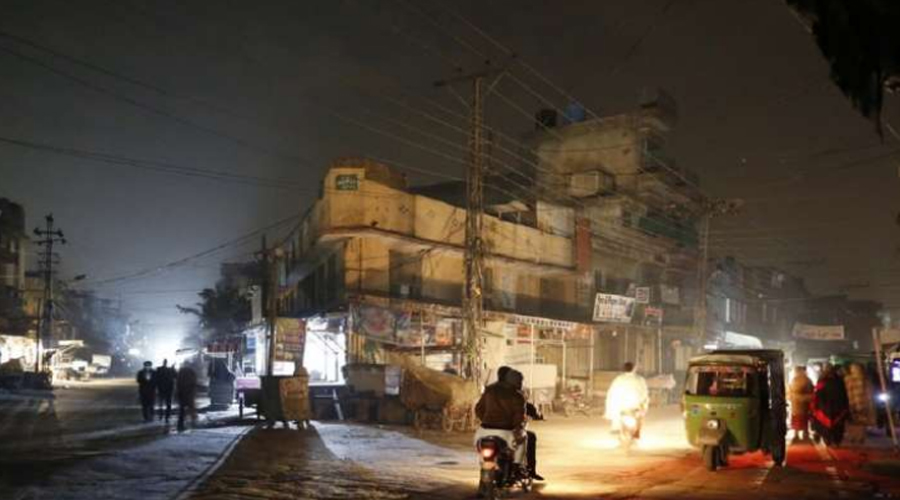 Massive power failure in Pakistan : 7 officials suspended for negligence