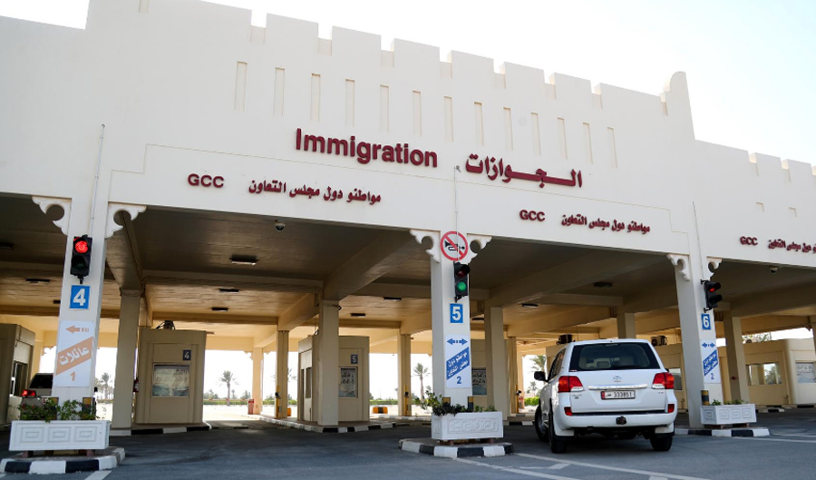 First Qatari vehicles cross border into Saudi after Gulf detente