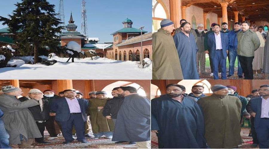 DC Shopian reviewed the pace of ongoing work of beautification of historical Jama Masjid