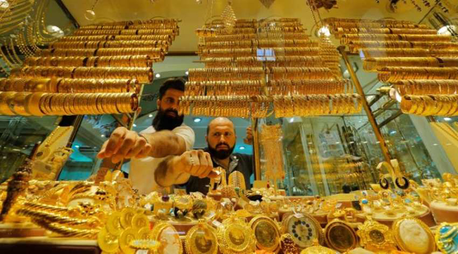 Gold prices fall, plunge 8,000 per 10 gram in 7 months