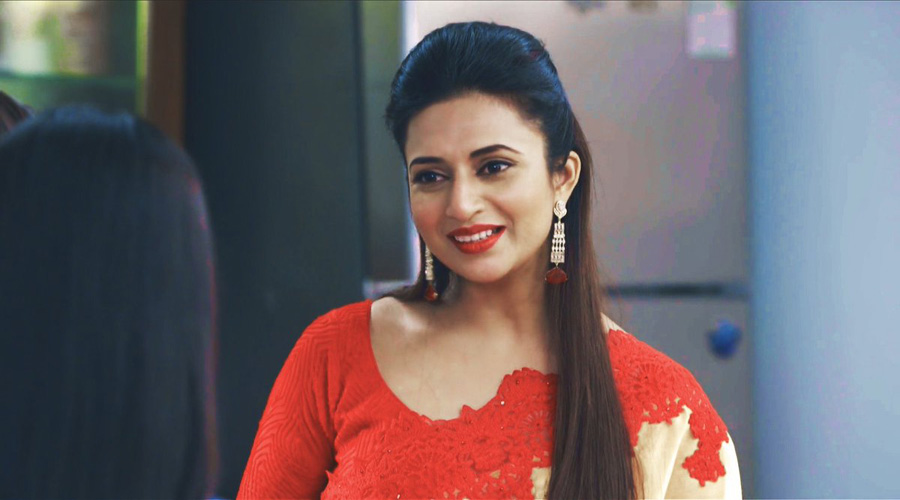 Divyanka Tripathi recalls facing 'indecent proposals, inappropriate remarks' from men