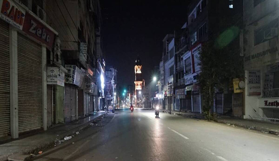 India reports 96,982 new Covid cases, Delhi imposes night curfew till April 30