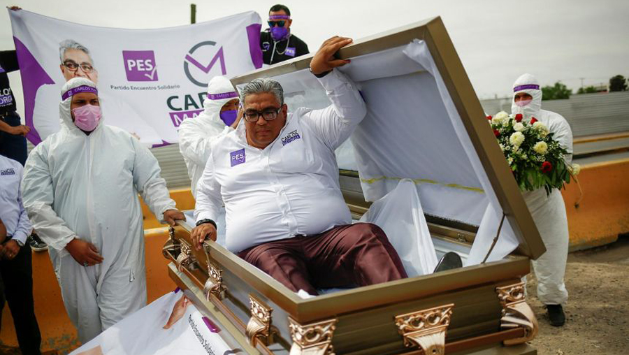 Mexico elections: A candidate starts its election campaign emerging from coffin