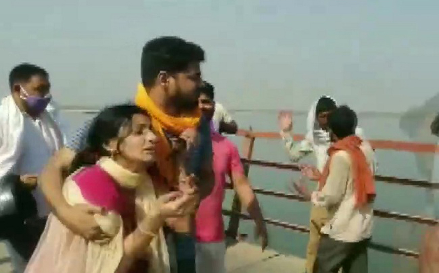 At least 10 dead as jeep returning from wedding falls into Ganga river at Patna's Peepapul