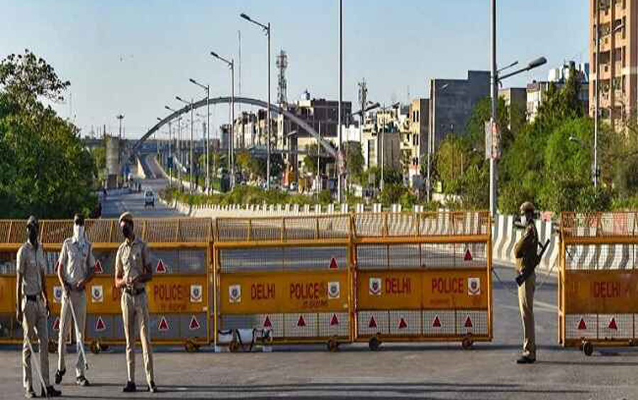 Delhi COVID Crisis : Kejriwal announces weekend curfew in Delhi from Friday 10 pm till Monday 6 am