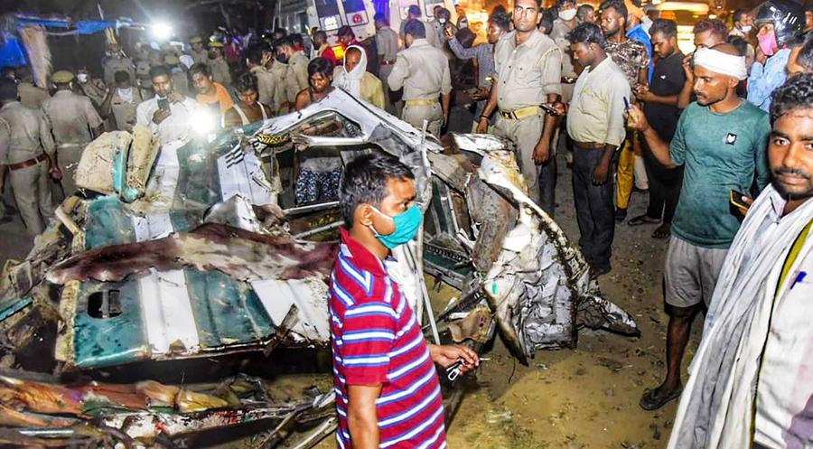 PM Modi announces ex gratia to kin of Kanpur road accident victims