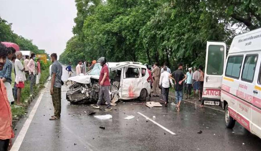 Two died in road accident in Sant Kabir Nagar
