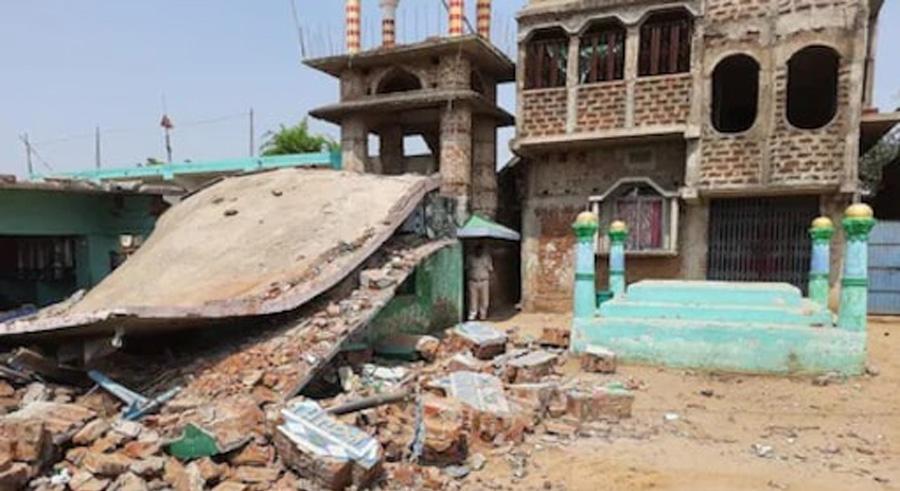 Massive bomb blast near Mosque in Banka Bihar