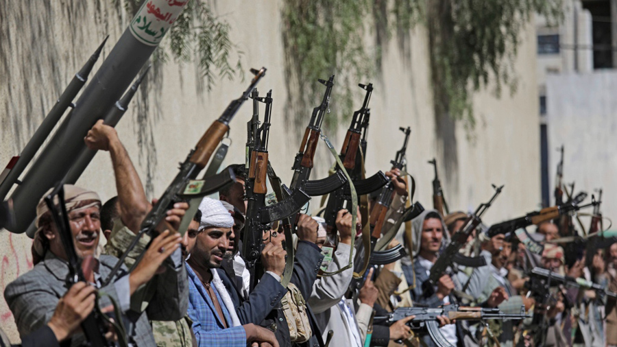 A time bomb .. The Yemeni government warns of Houthi summer camps