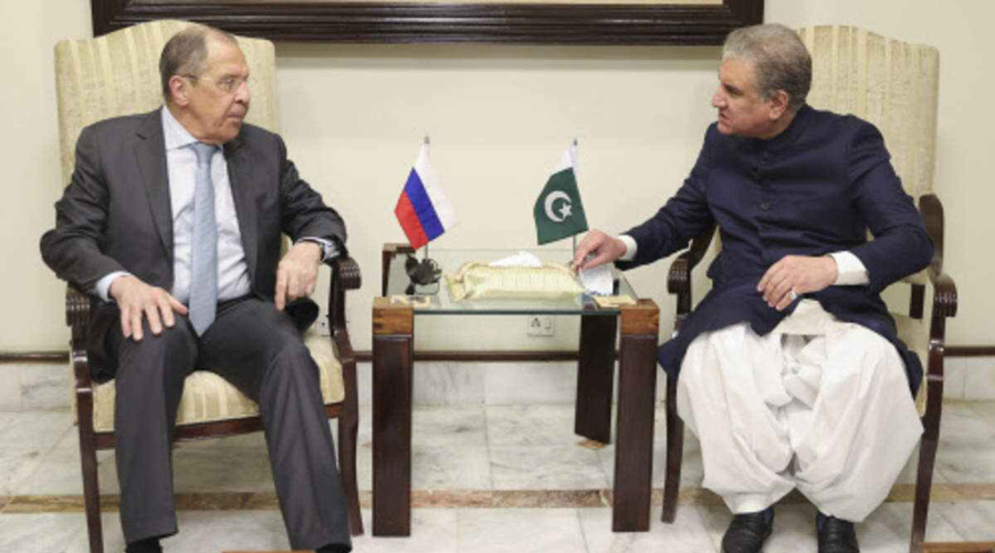 Pak FM discusses bilateral and international issues with his Russian counterpart on telephone