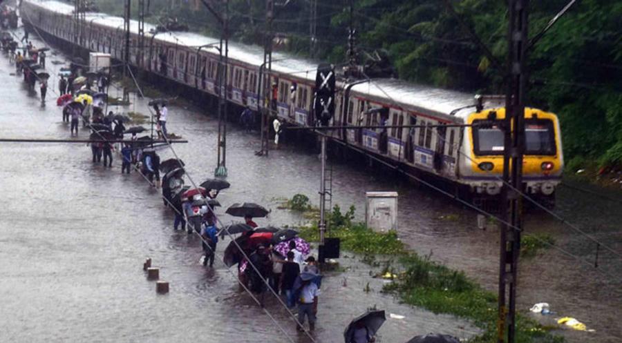 Maharashtra: Heavy rain makes life miserable for public