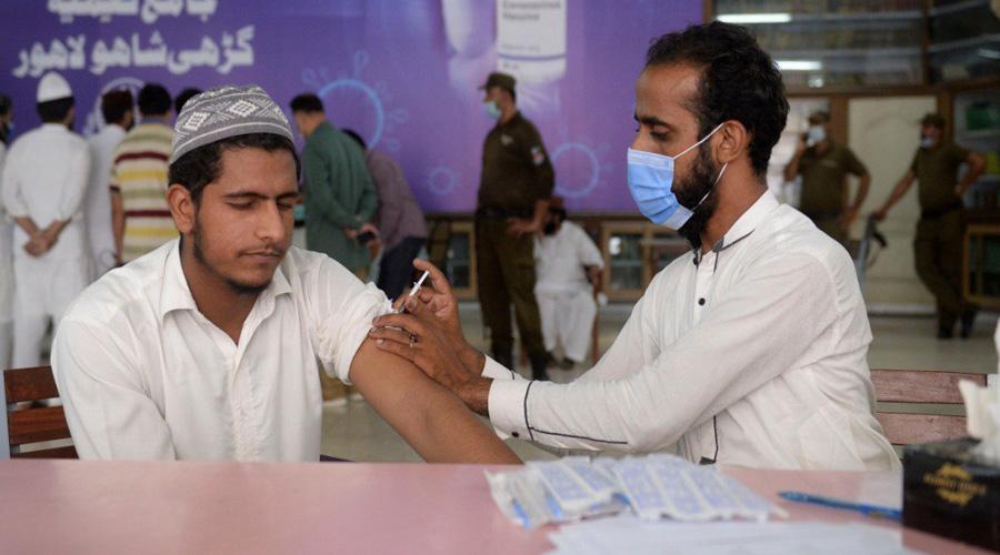 Pakistan sets 31st August deadline for Coronavirus vaccination