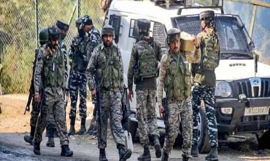 Cop killed in clashes inside police lines in J&K's Kathua